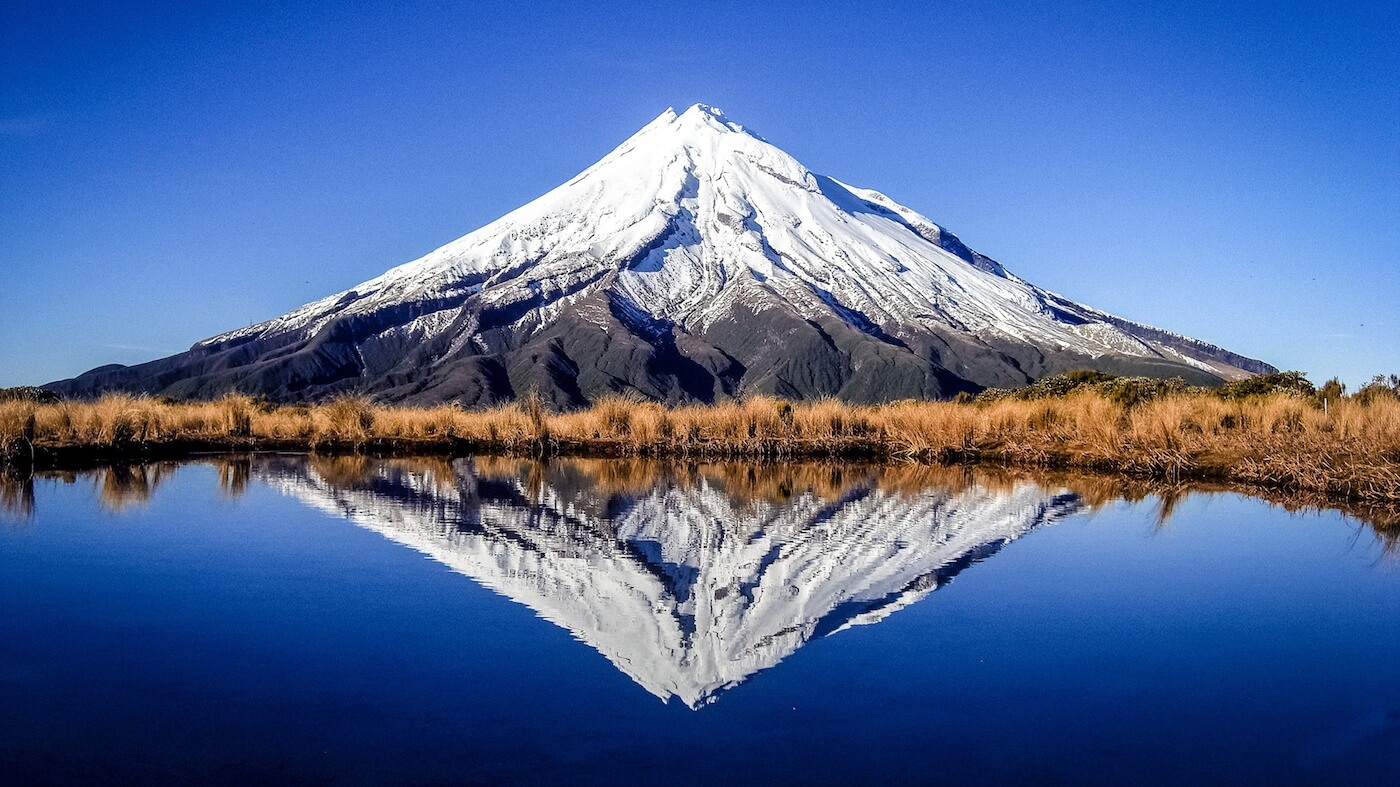 New Zealand mountain next to a lake